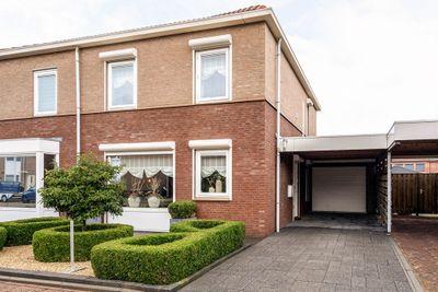 Wim Van Eststraat 8, St. Willebrord