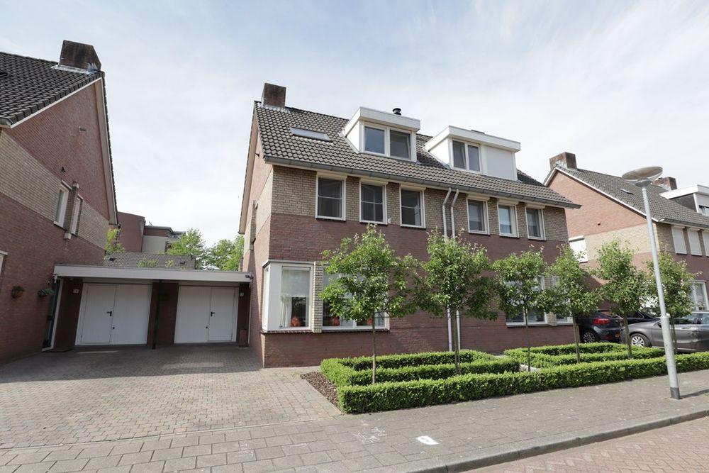Weegbree 12, Venlo