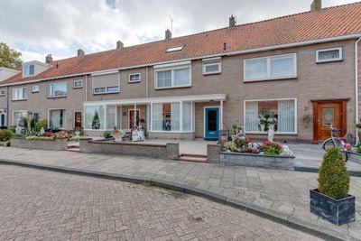 Heerenbreeckplein 5, Volendam