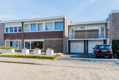 Prins Mauritsstraat 2, Budel