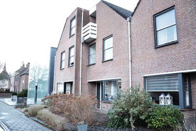 Grotestraat 8, Waalwijk