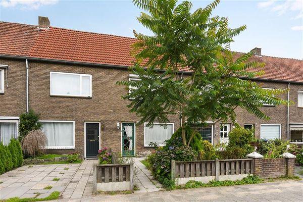 Burgemeester van Houtlaan 28, Helmond