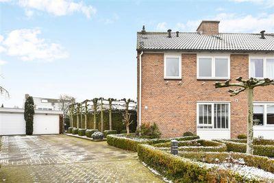 Middelgraaf 9, Tilburg