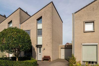 Burgemeester de Weertstraat 28, Rucphen