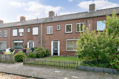 Saksen Weimarstraat 29, Rijen