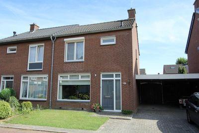 Ridder Van Eyllstraat 3, Baarlo