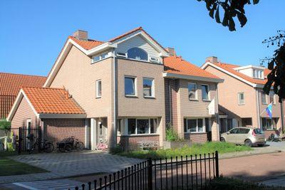 Slikkenburg 23, Tholen