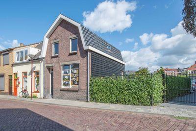Sint Elisabethstraat 11, Oudenbosch
