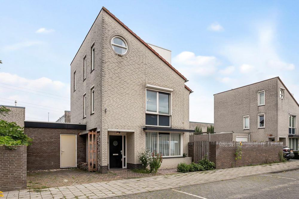 Pastoor de Leijerstraat 19, Rosmalen