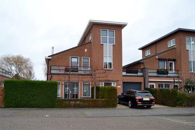 Bachlaan 184, Oud-Beijerland
