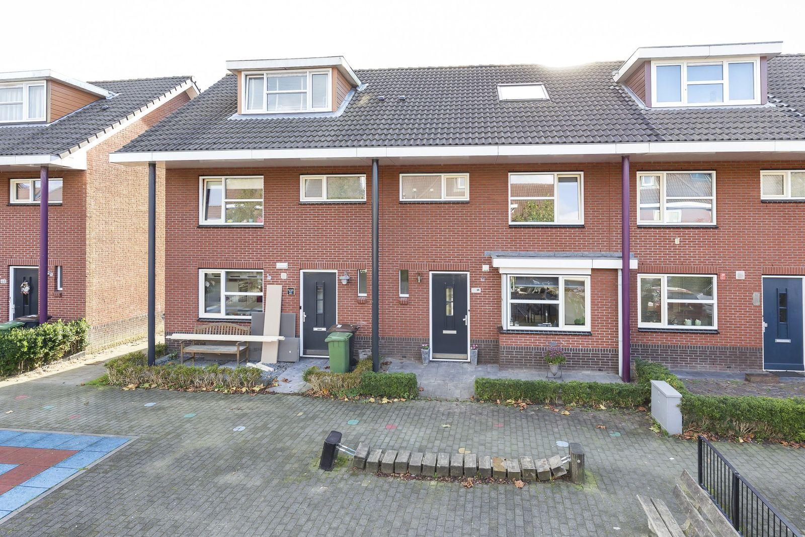 Rodelindalaan 72, Nieuw-vennep