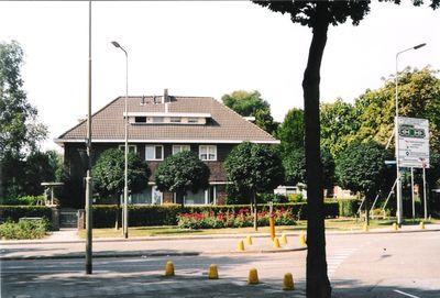 Gouverneur Baron van Hövellplein, Hoensbroek