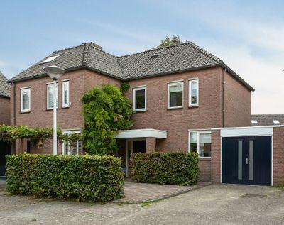 Wethouder Hamacherplein 16, Helmond