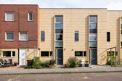 Graskarpersingel 19, Den Haag