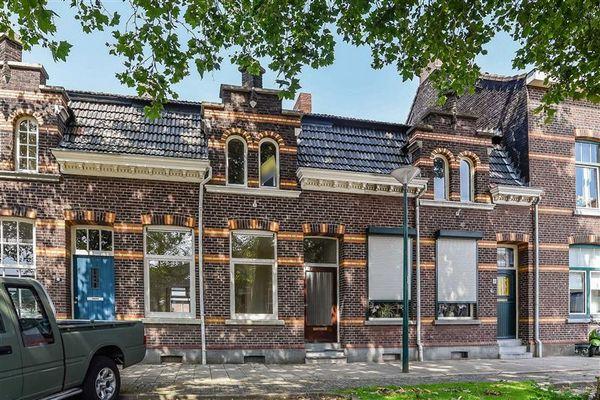 Dokter Leurszijstraat 6, Roermond