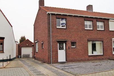 Oranjestraat 1, Echt