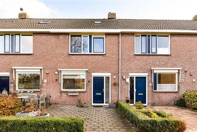 Karn 42, Monnickendam