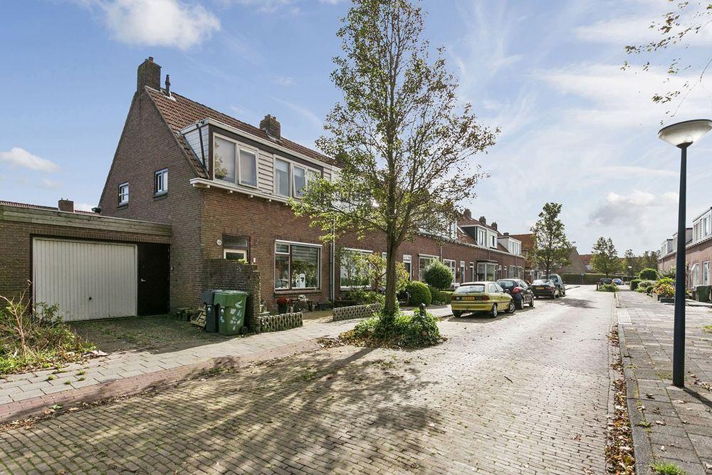 Jitze Pieter van Dijkstraat 1, Franeker