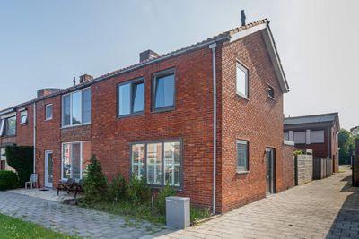Nassaustraat 2, Sas Van Gent