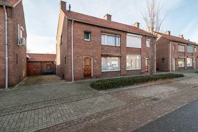 Oranjestraat 44, Echt