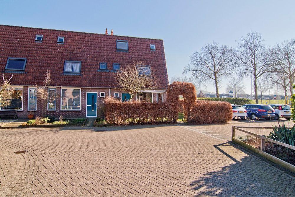 Roos Vosstraat 18, Tiel