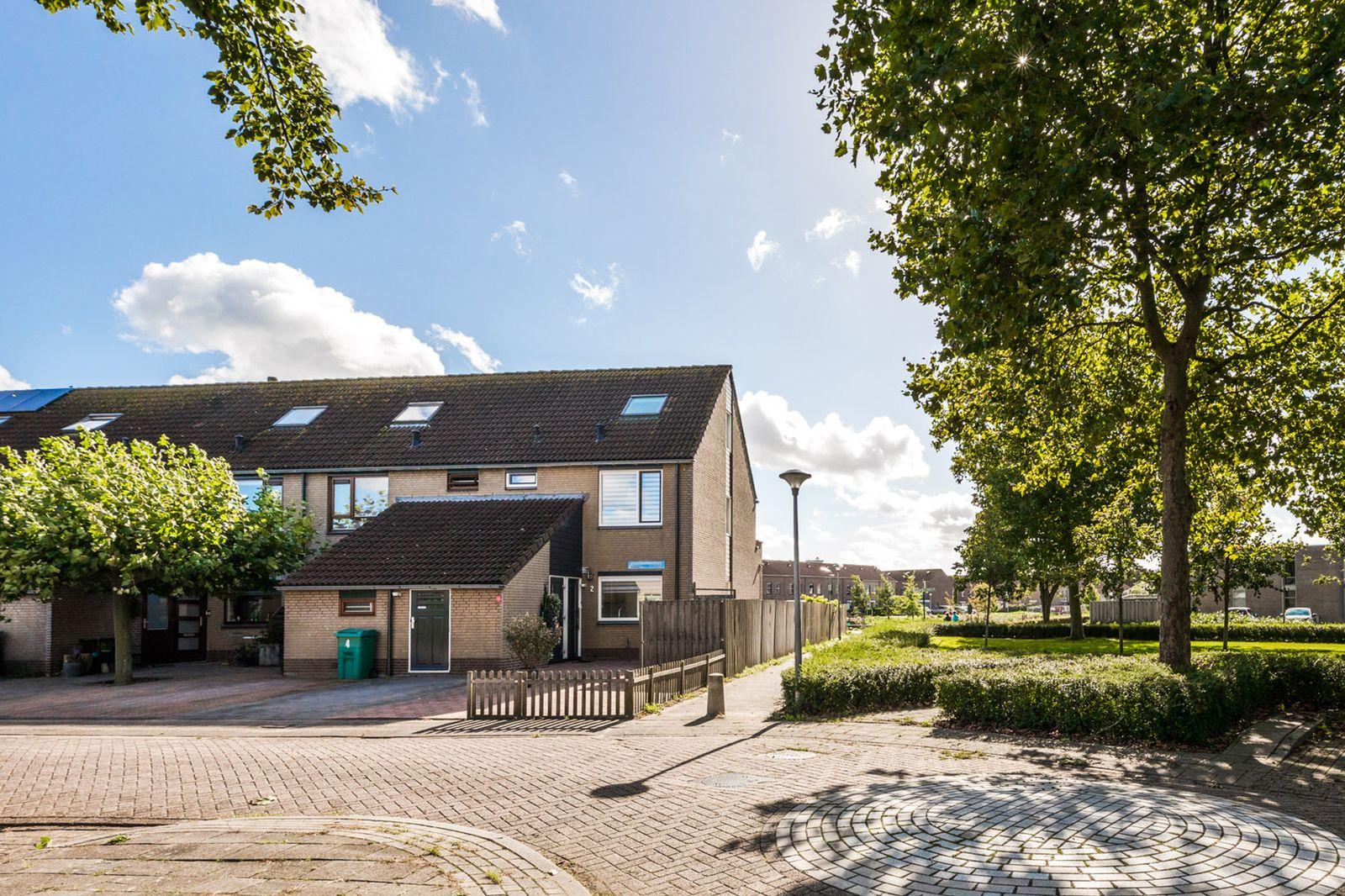 Leermosstraat 2, Almere