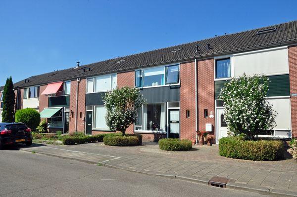 Goudenregenstraat 4, Winterswijk