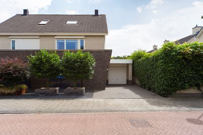 Linnaeuslaan 22, Veenendaal