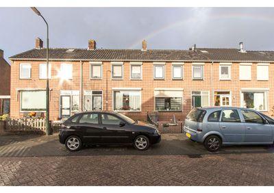 Pieter De Hooghstraat 42, Hardinxveld-Giessendam