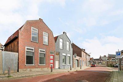 Oudestad 4, Oostburg