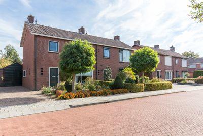 Julianastraat 37, Wehl