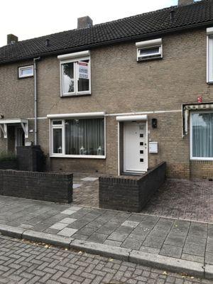 Middelburglaan 64, 's-hertogenbosch