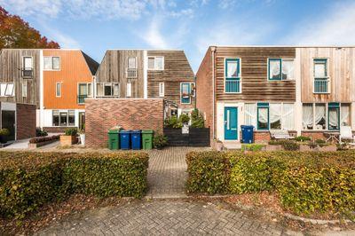 Oevergriend 143, Almere