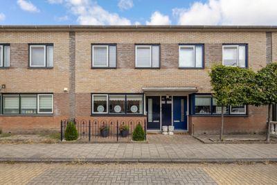 Theo Mann-Bouwmeesterstraat 49, Spijkenisse