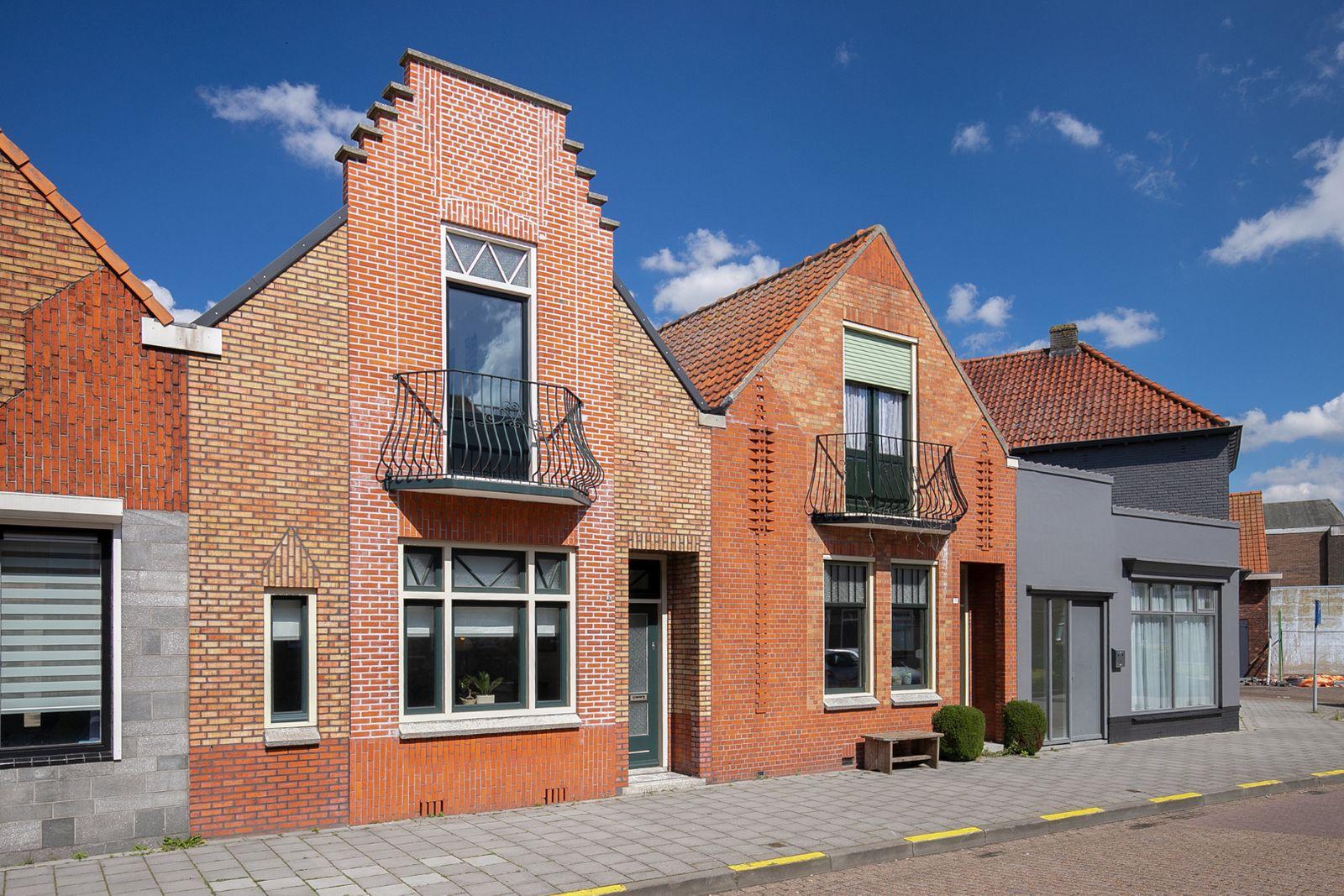 Wilhelminalaan 16, Sas van Gent