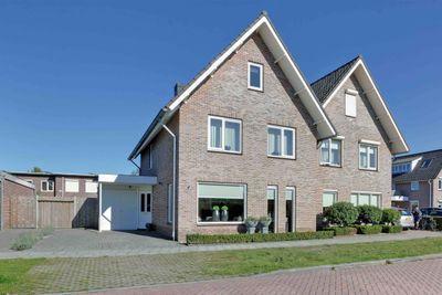 Adolf van Nassaustraat 12, Wezep