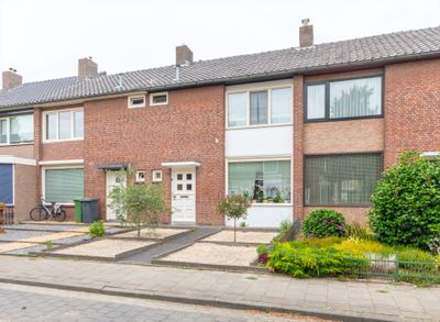 Lange Mees 48, Veldhoven