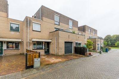 Victoria Regiastraat 12, Almere