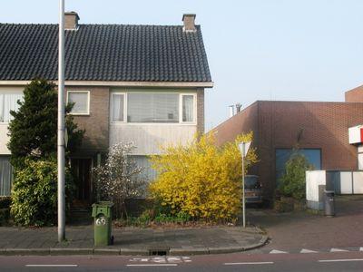 Van der Valk Boumanweg, Leiderdorp