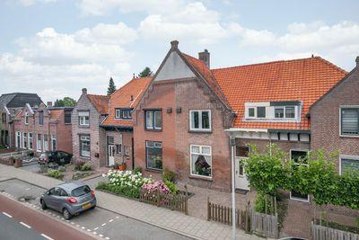 Burgemeester van Loonstraat 53, Steenbergen