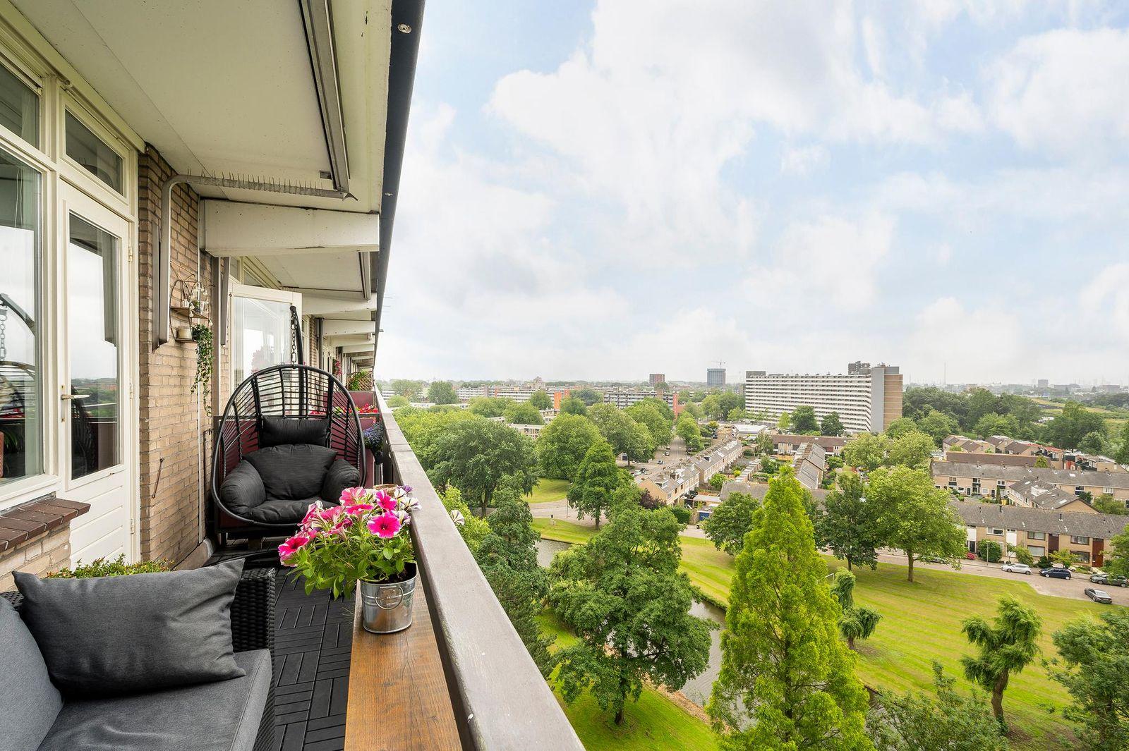 Schubertplein 215, Schiedam