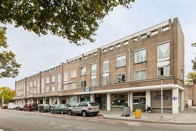 Sint Lutgartstraat 24, Eindhoven