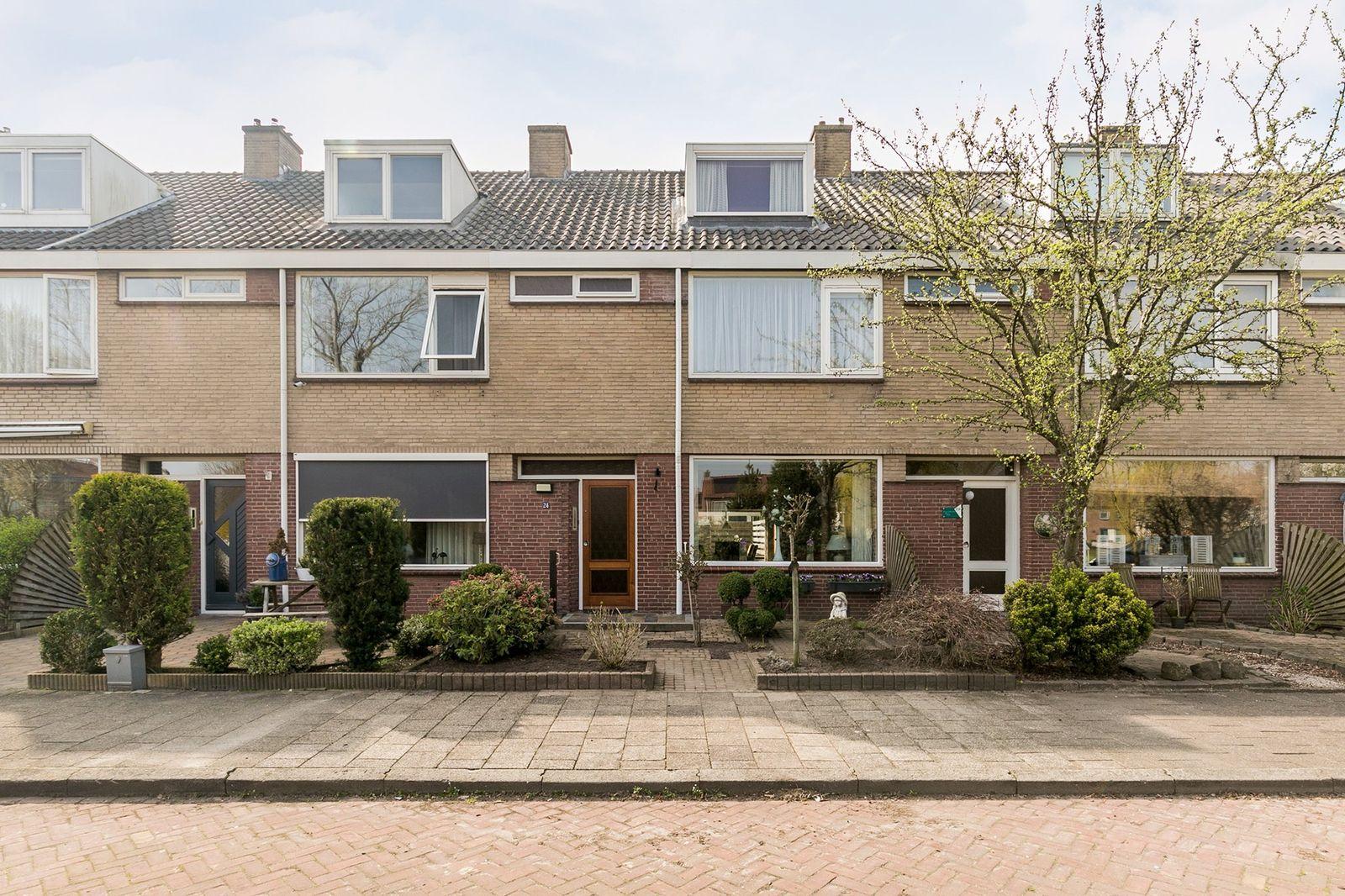 Paulus Potterstraat 24, Hoogeveen