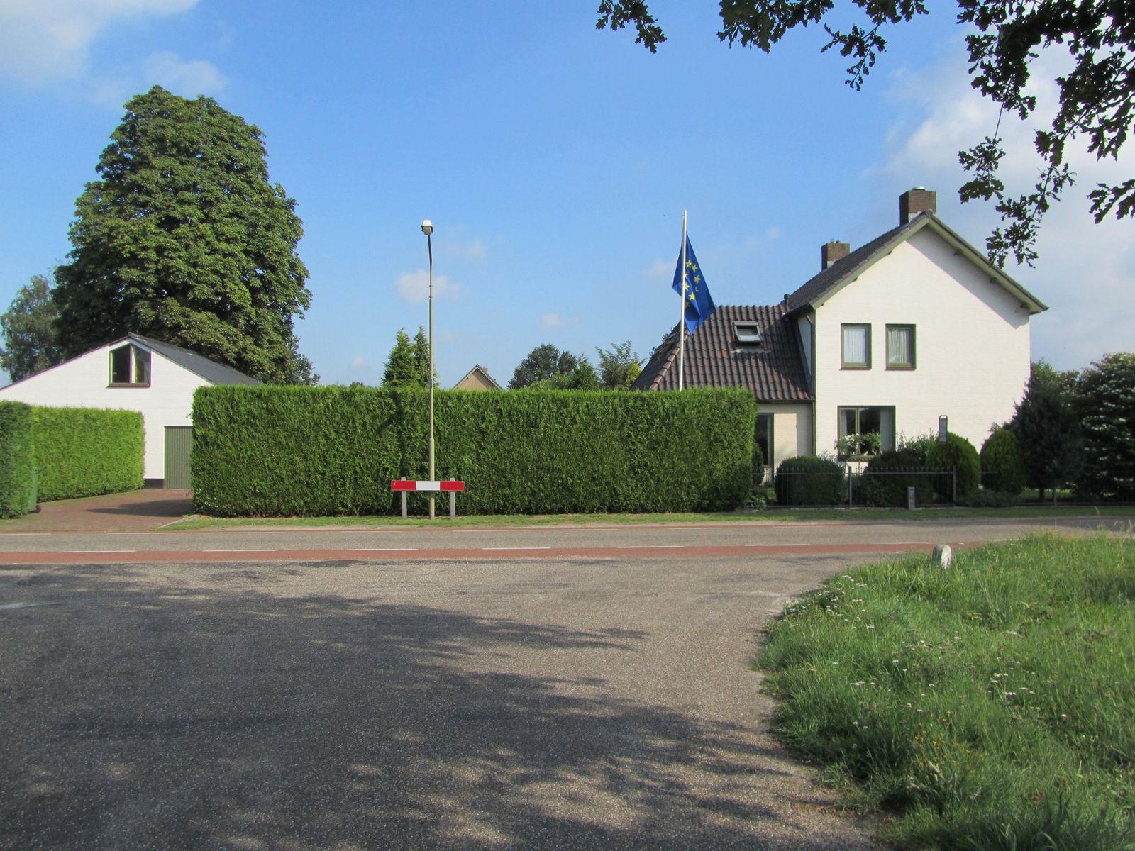 Lochtenburgstraat 1, Schaijk