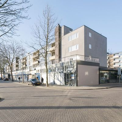 Louis Bouwmeesterplein, Tilburg