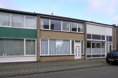 Weustenraedtstraat 33, Hoensbroek