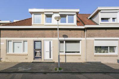 Leenheerstraat 15, Heerlen