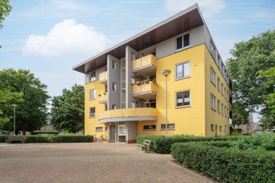 Zwaluwstraat 67, Horst