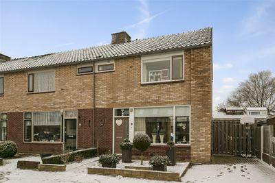 Van Looystraat 2, Harderwijk
