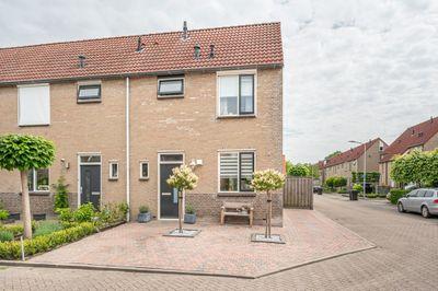 Prins Constantijnstraat 10, Middelharnis